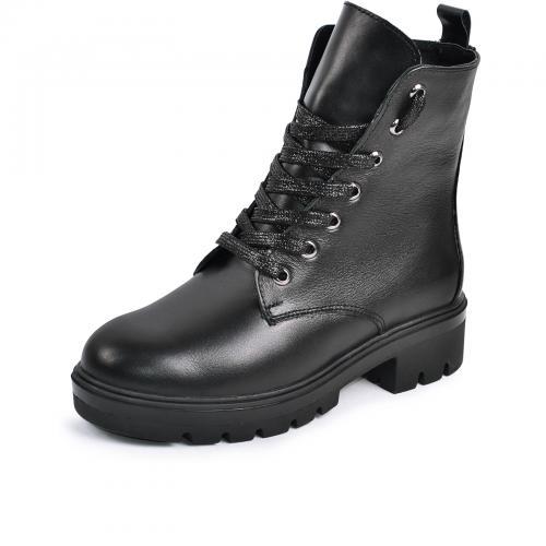 Приобретаем стильные женские ботинки
