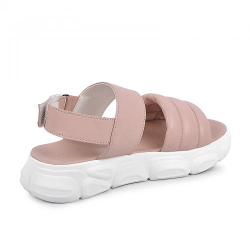 Дарина розовая кожа